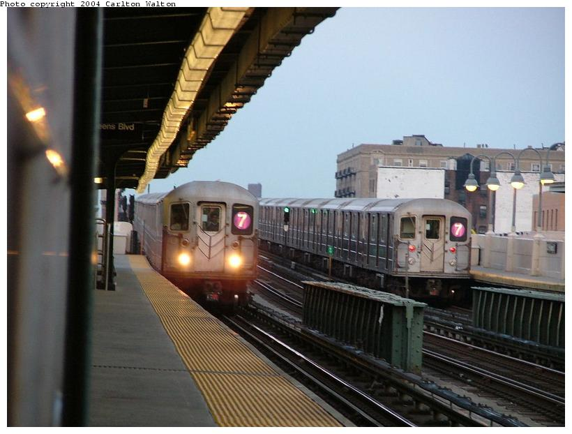 (83k, 820x622)<br><b>Country:</b> United States<br><b>City:</b> New York<br><b>System:</b> New York City Transit<br><b>Line:</b> IRT Flushing Line<br><b>Location:</b> 40th Street/Lowery Street <br><b>Route:</b> 7<br><b>Car:</b> R-62A (Bombardier, 1984-1987)   <br><b>Photo by:</b> Carlton Walton<br><b>Date:</b> 6/24/2004<br><b>Viewed (this week/total):</b> 4 / 5172