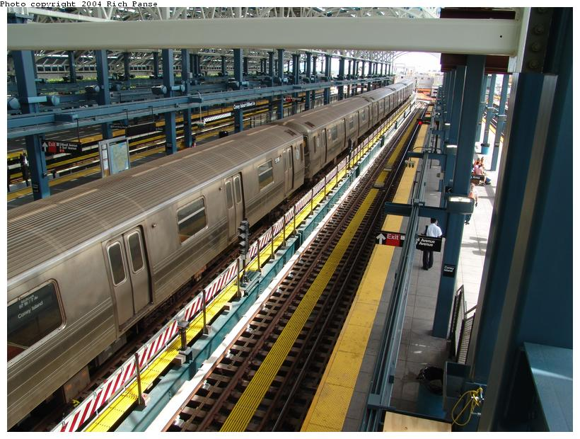 (130k, 820x620)<br><b>Country:</b> United States<br><b>City:</b> New York<br><b>System:</b> New York City Transit<br><b>Location:</b> Coney Island/Stillwell Avenue<br><b>Route:</b> Q<br><b>Car:</b> R-68A (Kawasaki, 1988-1989)  5118 <br><b>Photo by:</b> Richard Panse<br><b>Date:</b> 6/13/2004<br><b>Viewed (this week/total):</b> 0 / 3745