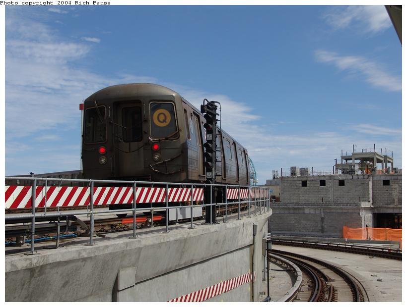 (86k, 820x620)<br><b>Country:</b> United States<br><b>City:</b> New York<br><b>System:</b> New York City Transit<br><b>Location:</b> Coney Island/Stillwell Avenue<br><b>Route:</b> Q<br><b>Car:</b> R-68A (Kawasaki, 1988-1989)  5120 <br><b>Photo by:</b> Richard Panse<br><b>Date:</b> 6/13/2004<br><b>Viewed (this week/total):</b> 0 / 3100