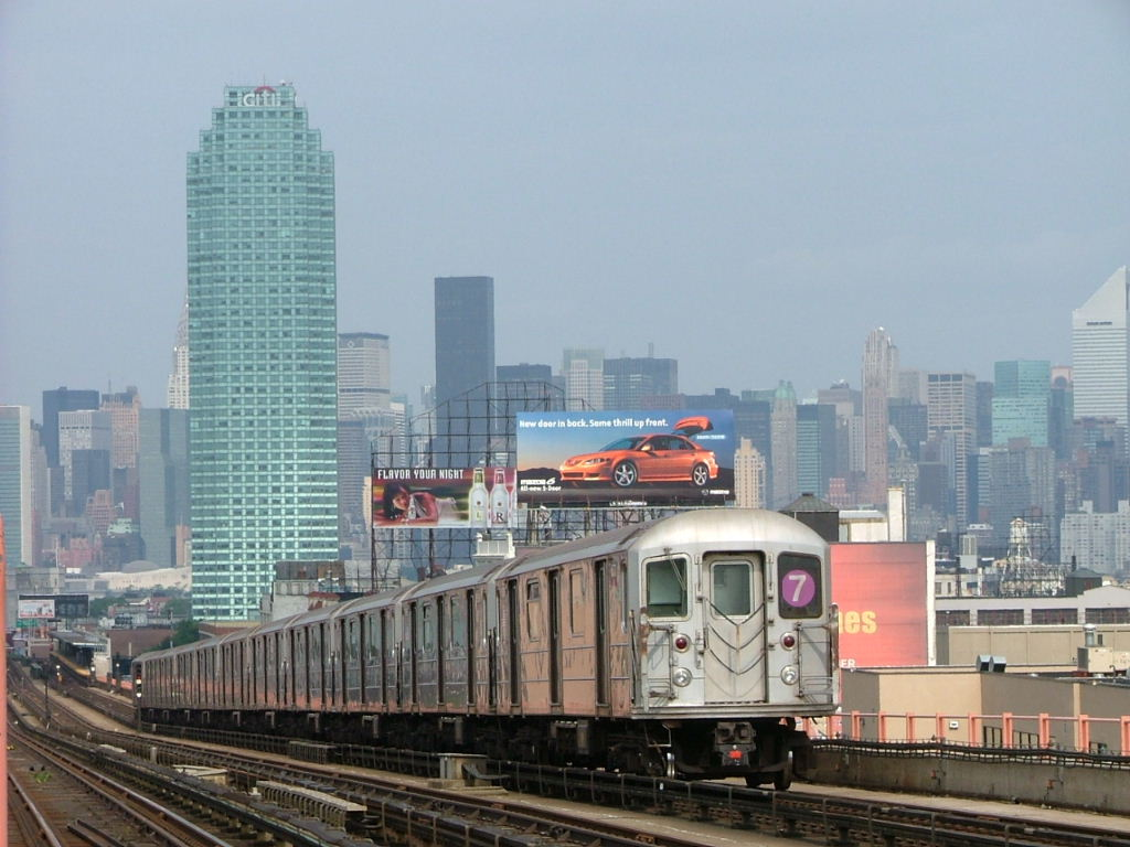 (131k, 1024x768)<br><b>Country:</b> United States<br><b>City:</b> New York<br><b>System:</b> New York City Transit<br><b>Line:</b> IRT Flushing Line<br><b>Location:</b> 40th Street/Lowery Street <br><b>Car:</b> R-62A (Bombardier, 1984-1987)   <br><b>Photo by:</b> Carlton Walton<br><b>Date:</b> 6/19/2004<br><b>Viewed (this week/total):</b> 2 / 5157