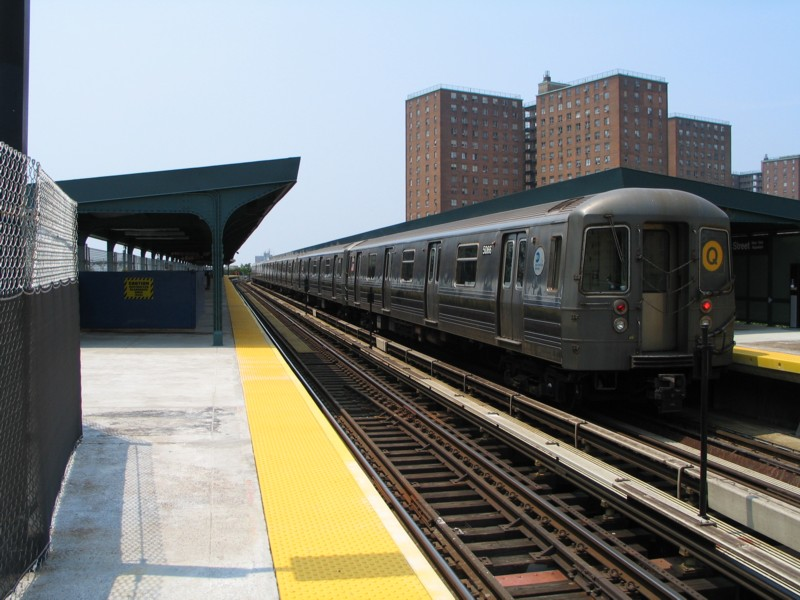(126k, 800x600)<br><b>Country:</b> United States<br><b>City:</b> New York<br><b>System:</b> New York City Transit<br><b>Line:</b> BMT Brighton Line<br><b>Location:</b> West 8th Street <br><b>Route:</b> Q<br><b>Car:</b> R-68A (Kawasaki, 1988-1989)  5066 <br><b>Photo by:</b> Neil Feldman<br><b>Date:</b> 7/1/2004<br><b>Viewed (this week/total):</b> 0 / 2794