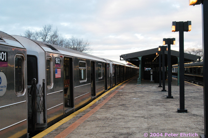 (137k, 720x478)<br><b>Country:</b> United States<br><b>City:</b> New York<br><b>System:</b> New York City Transit<br><b>Line:</b> IRT Flushing Line<br><b>Location:</b> Willets Point/Mets (fmr. Shea Stadium) <br><b>Route:</b> 7<br><b>Car:</b> R-62A (Bombardier, 1984-1987)  1802 <br><b>Photo by:</b> Peter Ehrlich<br><b>Date:</b> 12/25/2003<br><b>Viewed (this week/total):</b> 2 / 2483