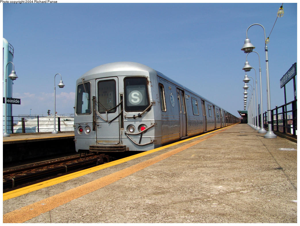 (176k, 1044x788)<br><b>Country:</b> United States<br><b>City:</b> New York<br><b>System:</b> New York City Transit<br><b>Line:</b> IND Rockaway<br><b>Location:</b> Beach 105th Street/Seaside <br><b>Route:</b> S<br><b>Car:</b> R-44 (St. Louis, 1971-73) 5298 <br><b>Photo by:</b> Richard Panse<br><b>Date:</b> 7/17/2004<br><b>Viewed (this week/total):</b> 2 / 3479