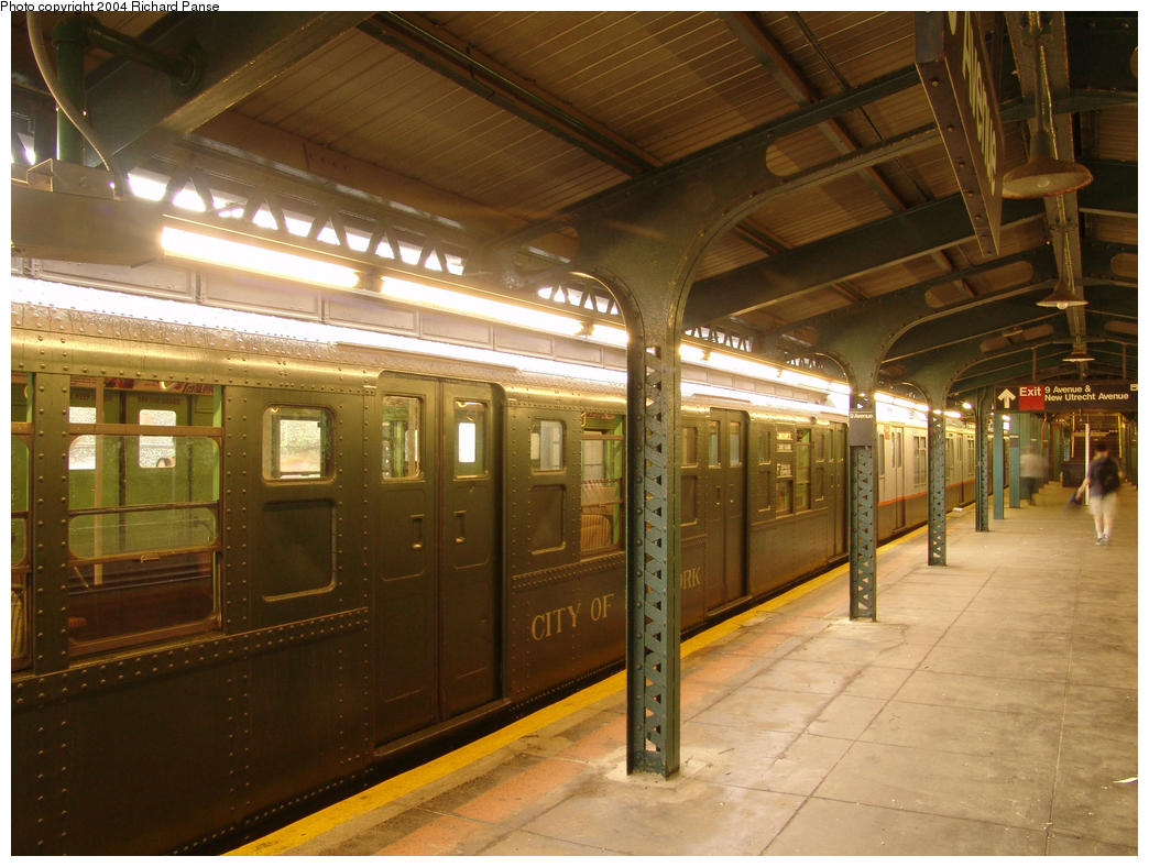 (168k, 1044x788)<br><b>Country:</b> United States<br><b>City:</b> New York<br><b>System:</b> New York City Transit<br><b>Line:</b> BMT West End Line<br><b>Location:</b> 9th Avenue <br><b>Route:</b> Fan Trip<br><b>Car:</b> R-4 (American Car & Foundry, 1932-1933) 484 <br><b>Photo by:</b> Richard Panse<br><b>Date:</b> 7/18/2004<br><b>Viewed (this week/total):</b> 0 / 2284