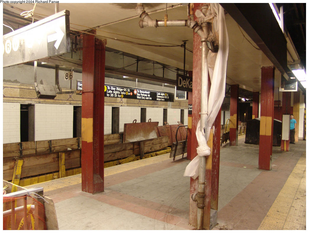 (169k, 1044x788)<br><b>Country:</b> United States<br><b>City:</b> New York<br><b>System:</b> New York City Transit<br><b>Location:</b> DeKalb Avenue<br><b>Photo by:</b> Richard Panse<br><b>Date:</b> 7/24/2004<br><b>Viewed (this week/total):</b> 2 / 6994