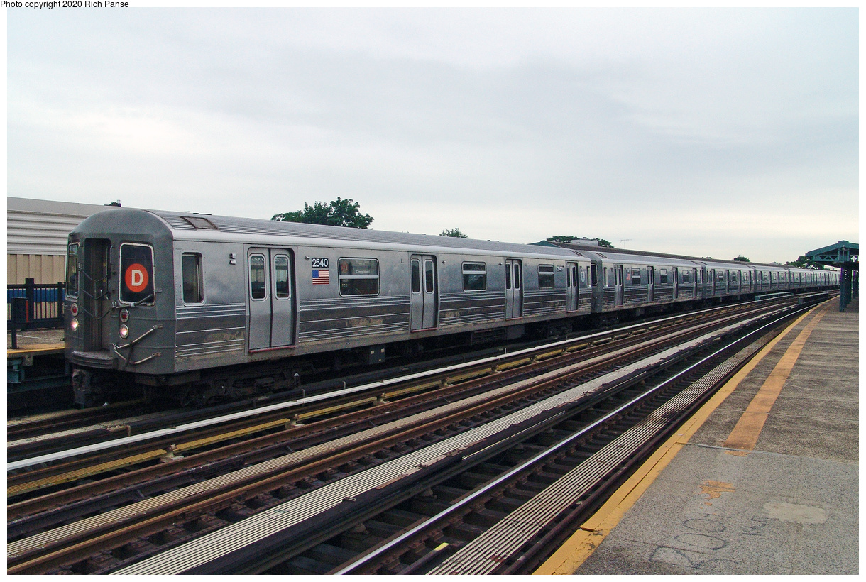(156k, 1044x788)<br><b>Country:</b> United States<br><b>City:</b> New York<br><b>System:</b> New York City Transit<br><b>Line:</b> BMT West End Line<br><b>Location:</b> 55th Street <br><b>Route:</b> D<br><b>Car:</b> R-68 (Westinghouse-Amrail, 1986-1988)  2540 <br><b>Photo by:</b> Richard Panse<br><b>Date:</b> 7/24/2004<br><b>Viewed (this week/total):</b> 5 / 2785