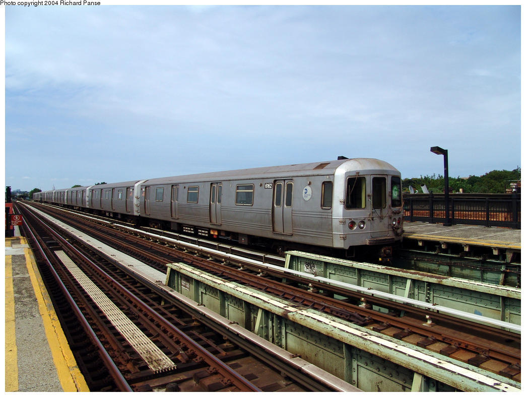 (171k, 1044x788)<br><b>Country:</b> United States<br><b>City:</b> New York<br><b>System:</b> New York City Transit<br><b>Line:</b> BMT Culver Line<br><b>Location:</b> Avenue I <br><b>Route:</b> G<br><b>Car:</b> R-46 (Pullman-Standard, 1974-75) 6162 <br><b>Photo by:</b> Richard Panse<br><b>Date:</b> 7/25/2004<br><b>Viewed (this week/total):</b> 3 / 2200