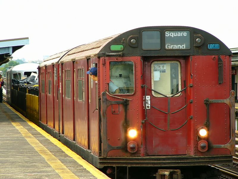 (79k, 800x600)<br><b>Country:</b> United States<br><b>City:</b> New York<br><b>System:</b> New York City Transit<br><b>Line:</b> BMT Culver Line<br><b>Location:</b> Bay Parkway (22nd Avenue) <br><b>Route:</b> Work Service<br><b>Car:</b> R-33 World's Fair (St. Louis, 1963-64) 9340 <br><b>Photo by:</b> Ted Siuta<br><b>Date:</b> 7/25/2004<br><b>Viewed (this week/total):</b> 0 / 3380