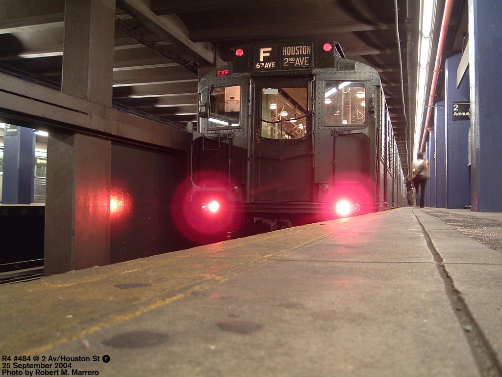 (128k, 1024x768)<br><b>Country:</b> United States<br><b>City:</b> New York<br><b>System:</b> New York City Transit<br><b>Line:</b> IND 6th Avenue Line<br><b>Location:</b> 2nd Avenue <br><b>Route:</b> Fan Trip<br><b>Car:</b> R-4 (American Car & Foundry, 1932-1933) 484 <br><b>Photo by:</b> Robert Marrero<br><b>Date:</b> 9/25/2004<br><b>Notes:</b> Museum train in service on a shortened F line, 2nd Ave. to 71st Ave. or 179th St.<br><b>Viewed (this week/total):</b> 0 / 3857