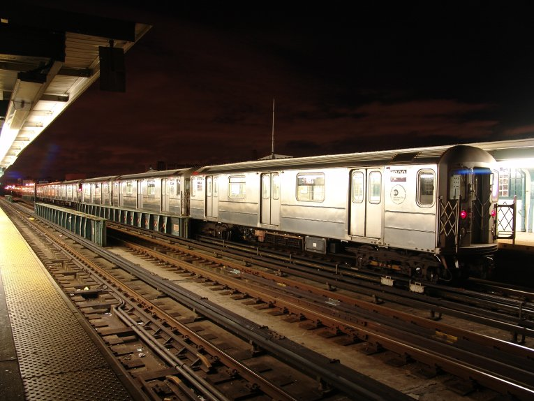 (91k, 765x574)<br><b>Country:</b> United States<br><b>City:</b> New York<br><b>System:</b> New York City Transit<br><b>Line:</b> IRT Flushing Line<br><b>Location:</b> 33rd Street/Rawson Street <br><b>Photo by:</b> Richard Panse<br><b>Date:</b> 10/11/2004<br><b>Viewed (this week/total):</b> 1 / 3776
