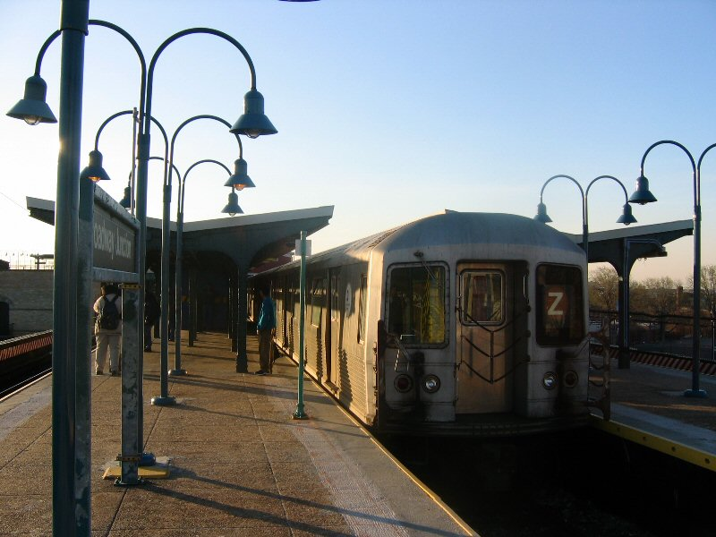 (98k, 800x600)<br><b>Country:</b> United States<br><b>City:</b> New York<br><b>System:</b> New York City Transit<br><b>Line:</b> BMT Nassau Street/Jamaica Line<br><b>Location:</b> Broadway/East New York (Broadway Junction) <br><b>Route:</b> Z<br><b>Car:</b> R-42 (St. Louis, 1969-1970)   <br><b>Photo by:</b> Dante D. Angerville<br><b>Date:</b> 4/20/2004<br><b>Viewed (this week/total):</b> 0 / 2884