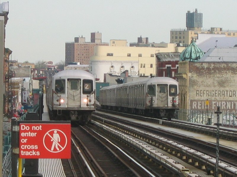(102k, 800x600)<br><b>Country:</b> United States<br><b>City:</b> New York<br><b>System:</b> New York City Transit<br><b>Line:</b> BMT Nassau Street/Jamaica Line<br><b>Location:</b> Kosciuszko Street <br><b>Route:</b> Z<br><b>Car:</b> R-42 (St. Louis, 1969-1970)   <br><b>Photo by:</b> Dante D. Angerville<br><b>Date:</b> 4/20/2004<br><b>Viewed (this week/total):</b> 5 / 5087