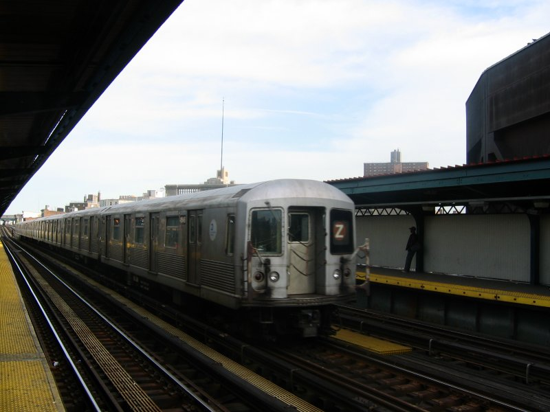 (68k, 800x600)<br><b>Country:</b> United States<br><b>City:</b> New York<br><b>System:</b> New York City Transit<br><b>Line:</b> BMT Nassau Street/Jamaica Line<br><b>Location:</b> Flushing Avenue <br><b>Route:</b> Z<br><b>Car:</b> R-42 (St. Louis, 1969-1970)  4648 <br><b>Photo by:</b> Dante D. Angerville<br><b>Date:</b> 4/20/2004<br><b>Viewed (this week/total):</b> 3 / 3021