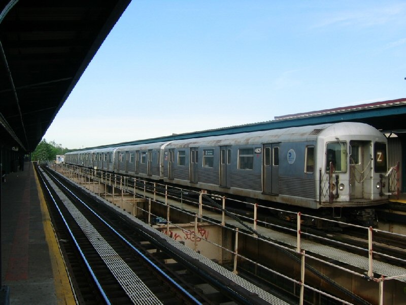 (97k, 800x600)<br><b>Country:</b> United States<br><b>City:</b> New York<br><b>System:</b> New York City Transit<br><b>Line:</b> BMT Nassau Street/Jamaica Line<br><b>Location:</b> Cypress Hills <br><b>Route:</b> Z<br><b>Car:</b> R-42 (St. Louis, 1969-1970)  4825 <br><b>Photo by:</b> Dante D. Angerville<br><b>Date:</b> 5/20/2004<br><b>Viewed (this week/total):</b> 1 / 2997