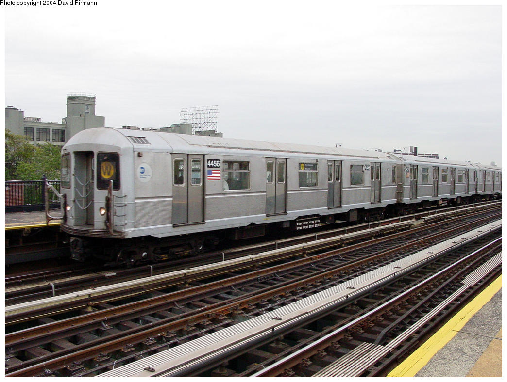 (163k, 1044x788)<br><b>Country:</b> United States<br><b>City:</b> New York<br><b>System:</b> New York City Transit<br><b>Line:</b> BMT Astoria Line<br><b>Location:</b> 36th/Washington Aves. <br><b>Route:</b> W<br><b>Car:</b> R-40M (St. Louis, 1969)  4456 <br><b>Photo by:</b> David Pirmann<br><b>Date:</b> 10/29/2004<br><b>Viewed (this week/total):</b> 2 / 3495