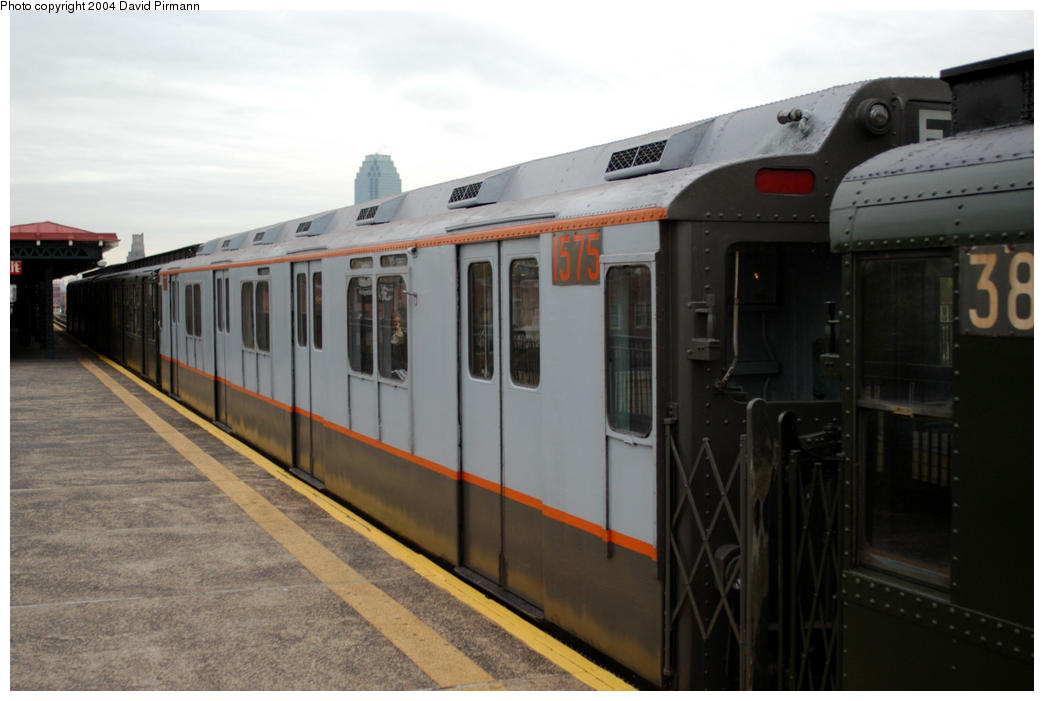 (138k, 1044x701)<br><b>Country:</b> United States<br><b>City:</b> New York<br><b>System:</b> New York City Transit<br><b>Line:</b> BMT Astoria Line<br><b>Location:</b> 36th/Washington Aves. <br><b>Route:</b> Fan Trip<br><b>Car:</b> R-7A (Pullman, 1938)  1575 <br><b>Photo by:</b> David Pirmann<br><b>Date:</b> 10/29/2004<br><b>Notes:</b> Train in regular passenger service, technically not a fan trip.<br><b>Viewed (this week/total):</b> 1 / 1815