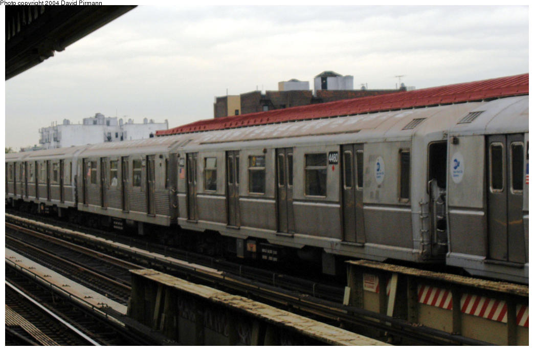(134k, 1044x686)<br><b>Country:</b> United States<br><b>City:</b> New York<br><b>System:</b> New York City Transit<br><b>Line:</b> BMT Astoria Line<br><b>Location:</b> 36th/Washington Aves. <br><b>Route:</b> W<br><b>Car:</b> R-40M (St. Louis, 1969)  4460-4665 <br><b>Photo by:</b> David Pirmann<br><b>Date:</b> 10/29/2004<br><b>Viewed (this week/total):</b> 6 / 2240