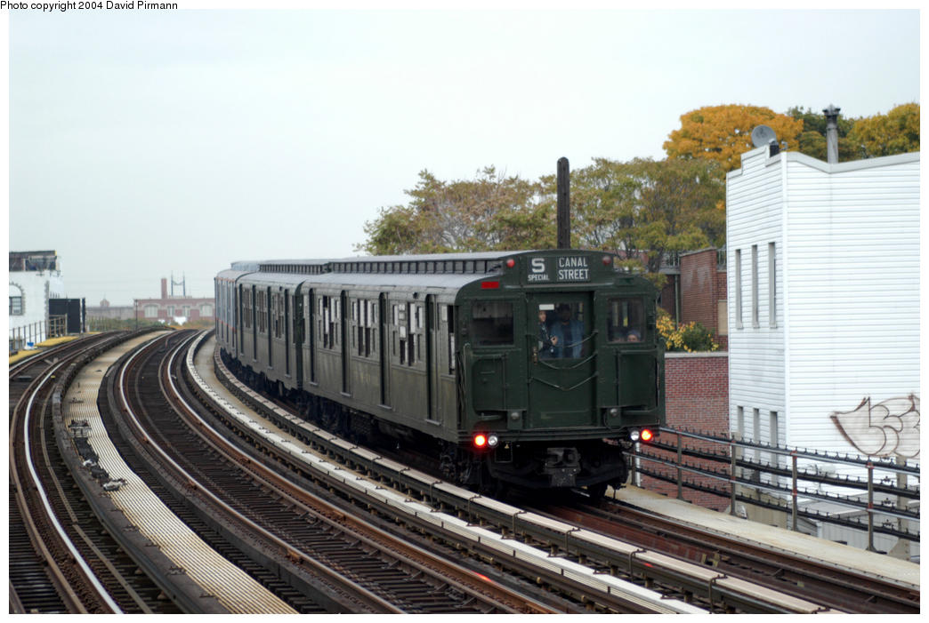 (180k, 1044x701)<br><b>Country:</b> United States<br><b>City:</b> New York<br><b>System:</b> New York City Transit<br><b>Line:</b> BMT Astoria Line<br><b>Location:</b> 30th/Grand Aves. <br><b>Route:</b> Fan Trip<br><b>Car:</b> R-1 (American Car & Foundry, 1930-1931) 100 <br><b>Photo by:</b> David Pirmann<br><b>Date:</b> 10/29/2004<br><b>Notes:</b> Train in regular passenger service, technically not a fan trip.<br><b>Viewed (this week/total):</b> 4 / 2910