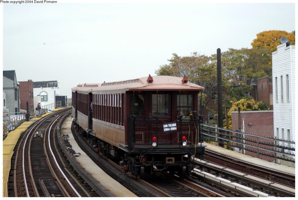 (182k, 1044x701)<br><b>Country:</b> United States<br><b>City:</b> New York<br><b>System:</b> New York City Transit<br><b>Line:</b> BMT Astoria Line<br><b>Location:</b> 30th/Grand Aves. <br><b>Route:</b> Fan Trip<br><b>Car:</b> BMT Elevated Gate Car 1407 <br><b>Photo by:</b> David Pirmann<br><b>Date:</b> 10/29/2004<br><b>Notes:</b> BU train in excursion service on Astoria line.<br><b>Viewed (this week/total):</b> 2 / 1985