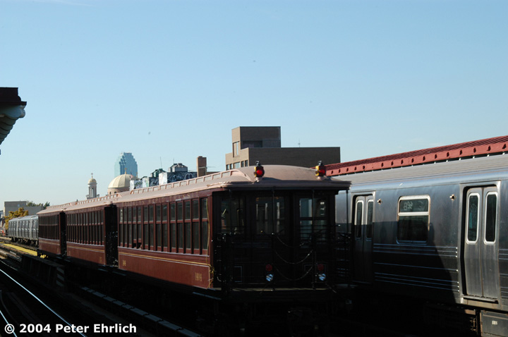 (88k, 720x478)<br><b>Country:</b> United States<br><b>City:</b> New York<br><b>System:</b> New York City Transit<br><b>Line:</b> BMT Astoria Line<br><b>Location:</b> 30th/Grand Aves. <br><b>Route:</b> Fan Trip<br><b>Car:</b> BMT Elevated Gate Car 1404 <br><b>Photo by:</b> Peter Ehrlich<br><b>Date:</b> 10/28/2004<br><b>Notes:</b> BU train in excursion service on Astoria line.<br><b>Viewed (this week/total):</b> 2 / 1700