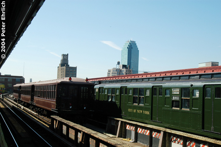 (122k, 720x478)<br><b>Country:</b> United States<br><b>City:</b> New York<br><b>System:</b> New York City Transit<br><b>Line:</b> BMT Astoria Line<br><b>Location:</b> 39th/Beebe Aves. <br><b>Route:</b> Fan Trip<br><b>Car:</b> BMT Elevated Gate Car 1407 <br><b>Photo by:</b> Peter Ehrlich<br><b>Date:</b> 10/28/2004<br><b>Notes:</b> BU train in excursion service on Astoria line.<br><b>Viewed (this week/total):</b> 5 / 2017
