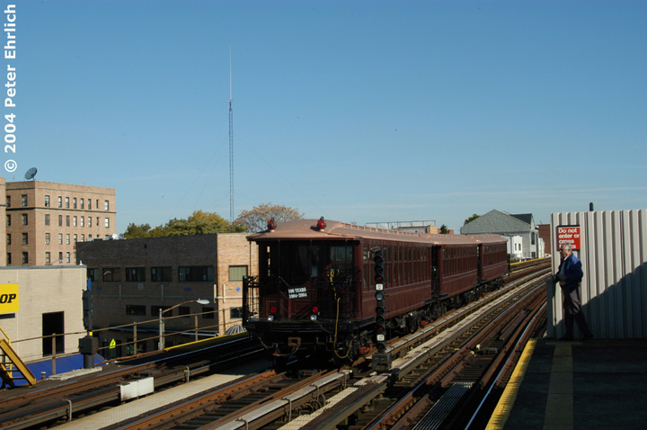 (120k, 720x478)<br><b>Country:</b> United States<br><b>City:</b> New York<br><b>System:</b> New York City Transit<br><b>Line:</b> BMT Astoria Line<br><b>Location:</b> 30th/Grand Aves. <br><b>Route:</b> Fan Trip<br><b>Car:</b> BMT Elevated Gate Car 1407 <br><b>Photo by:</b> Peter Ehrlich<br><b>Date:</b> 10/28/2004<br><b>Notes:</b> BU train in excursion service on Astoria line.<br><b>Viewed (this week/total):</b> 0 / 2466