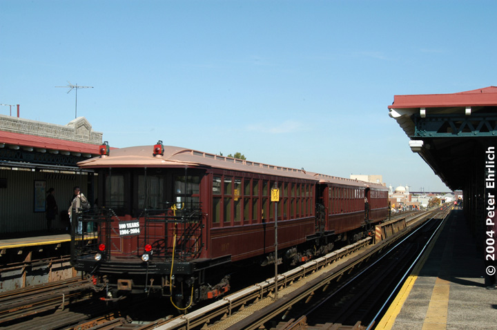(124k, 720x478)<br><b>Country:</b> United States<br><b>City:</b> New York<br><b>System:</b> New York City Transit<br><b>Line:</b> BMT Astoria Line<br><b>Location:</b> Broadway <br><b>Route:</b> Fan Trip<br><b>Car:</b> BMT Elevated Gate Car 1407 <br><b>Photo by:</b> Peter Ehrlich<br><b>Date:</b> 10/28/2004<br><b>Notes:</b> BU train in excursion service on Astoria line.<br><b>Viewed (this week/total):</b> 0 / 3254