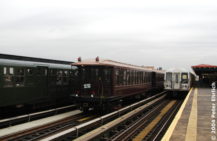 (112k, 720x470)<br><b>Country:</b> United States<br><b>City:</b> New York<br><b>System:</b> New York City Transit<br><b>Line:</b> BMT Astoria Line<br><b>Location:</b> 39th/Beebe Aves. <br><b>Route:</b> Fan Trip<br><b>Car:</b> BMT Elevated Gate Car 1407 <br><b>Photo by:</b> Peter Ehrlich<br><b>Date:</b> 10/29/2004<br><b>Notes:</b> BU train in excursion service on Astoria line.<br><b>Viewed (this week/total):</b> 0 / 2027
