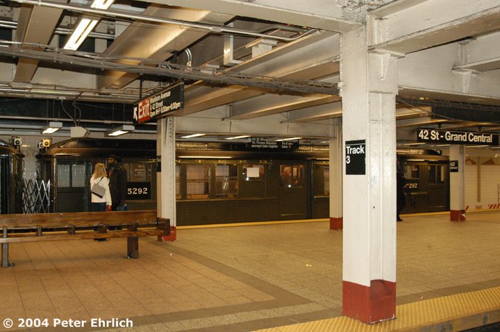 (164k, 720x478)<br><b>Country:</b> United States<br><b>City:</b> New York<br><b>System:</b> New York City Transit<br><b>Line:</b> IRT Times Square-Grand Central Shuttle<br><b>Location:</b> Grand Central <br><b>Route:</b> Fan Trip<br><b>Car:</b> Low-V (Museum Train) 5292 <br><b>Photo by:</b> Peter Ehrlich<br><b>Date:</b> 10/27/2004<br><b>Notes:</b> Train in regular passenger service, technically not a fan trip.<br><b>Viewed (this week/total):</b> 0 / 2685