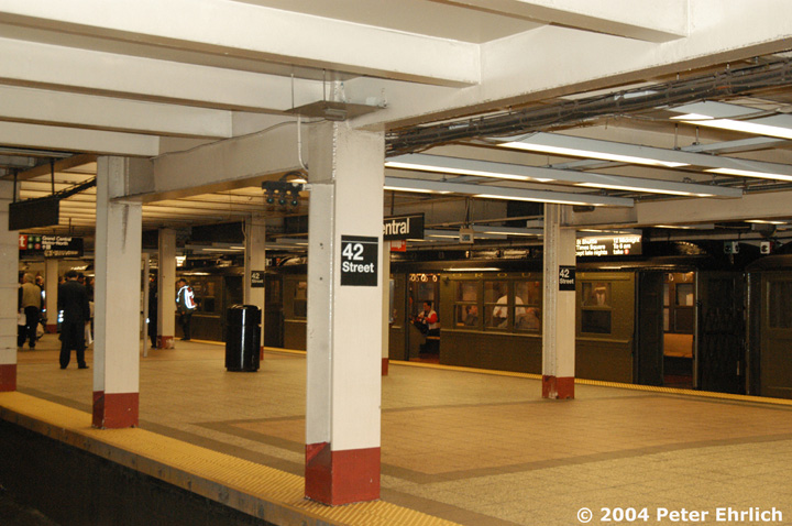 (147k, 720x478)<br><b>Country:</b> United States<br><b>City:</b> New York<br><b>System:</b> New York City Transit<br><b>Line:</b> IRT Times Square-Grand Central Shuttle<br><b>Location:</b> Grand Central <br><b>Route:</b> Fan Trip<br><b>Car:</b> Low-V (Museum Train) 5483 <br><b>Photo by:</b> Peter Ehrlich<br><b>Date:</b> 10/27/2004<br><b>Notes:</b> Train in regular passenger service, technically not a fan trip.<br><b>Viewed (this week/total):</b> 1 / 2064