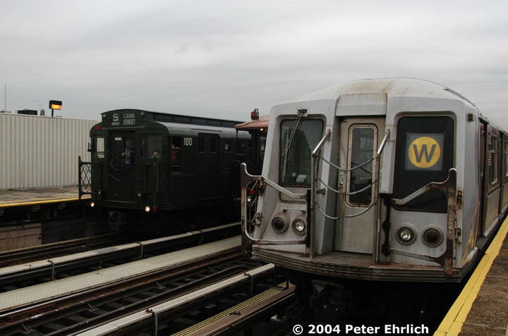 (116k, 720x477)<br><b>Country:</b> United States<br><b>City:</b> New York<br><b>System:</b> New York City Transit<br><b>Line:</b> BMT Astoria Line<br><b>Location:</b> 39th/Beebe Aves. <br><b>Route:</b> Fan Trip<br><b>Car:</b> R-1 (American Car & Foundry, 1930-1931) 100 <br><b>Photo by:</b> Peter Ehrlich<br><b>Date:</b> 10/29/2004<br><b>Notes:</b> In service Ditmars Blvd.-Canal St.<br><b>Viewed (this week/total):</b> 1 / 3213