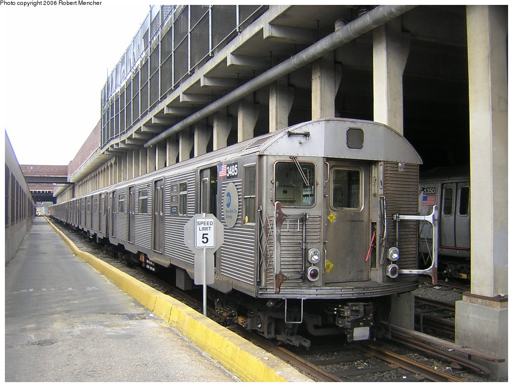 (222k, 1044x788)<br><b>Country:</b> United States<br><b>City:</b> New York<br><b>System:</b> New York City Transit<br><b>Location:</b> Pitkin Yard/Shops<br><b>Car:</b> R-32 (Budd, 1964)  3485 <br><b>Photo by:</b> Robert Mencher<br><b>Date:</b> 3/25/2006<br><b>Viewed (this week/total):</b> 4 / 6575
