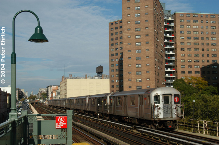 (165k, 720x478)<br><b>Country:</b> United States<br><b>City:</b> New York<br><b>System:</b> New York City Transit<br><b>Line:</b> IRT West Side Line<br><b>Location:</b> 125th Street <br><b>Route:</b> 1<br><b>Car:</b> R-62A (Bombardier, 1984-1987)  2225 <br><b>Photo by:</b> Peter Ehrlich<br><b>Date:</b> 10/27/2004<br><b>Viewed (this week/total):</b> 6 / 3583
