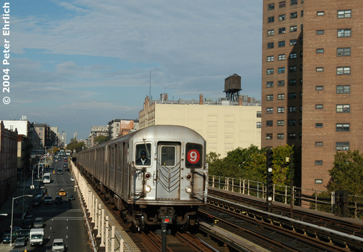 (162k, 720x499)<br><b>Country:</b> United States<br><b>City:</b> New York<br><b>System:</b> New York City Transit<br><b>Line:</b> IRT West Side Line<br><b>Location:</b> 125th Street <br><b>Route:</b> 9<br><b>Car:</b> R-62A (Bombardier, 1984-1987)  2420 <br><b>Photo by:</b> Peter Ehrlich<br><b>Date:</b> 10/27/2004<br><b>Viewed (this week/total):</b> 2 / 3105