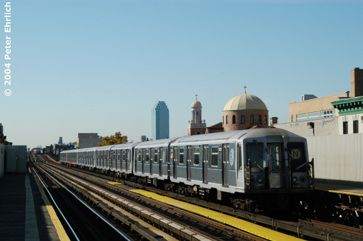 (106k, 720x478)<br><b>Country:</b> United States<br><b>City:</b> New York<br><b>System:</b> New York City Transit<br><b>Line:</b> BMT Astoria Line<br><b>Location:</b> 30th/Grand Aves. <br><b>Route:</b> N<br><b>Car:</b> R-40 (St. Louis, 1968)  4221 <br><b>Photo by:</b> Peter Ehrlich<br><b>Date:</b> 10/28/2004<br><b>Viewed (this week/total):</b> 0 / 2795