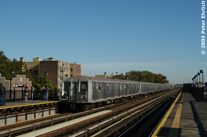 (124k, 720x478)<br><b>Country:</b> United States<br><b>City:</b> New York<br><b>System:</b> New York City Transit<br><b>Line:</b> BMT Astoria Line<br><b>Location:</b> 36th/Washington Aves. <br><b>Route:</b> W<br><b>Car:</b> R-40 (St. Louis, 1968)  4310 <br><b>Photo by:</b> Peter Ehrlich<br><b>Date:</b> 10/28/2004<br><b>Viewed (this week/total):</b> 0 / 3204