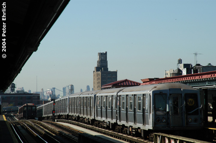 (110k, 720x478)<br><b>Country:</b> United States<br><b>City:</b> New York<br><b>System:</b> New York City Transit<br><b>Line:</b> BMT Astoria Line<br><b>Location:</b> 36th/Washington Aves. <br><b>Route:</b> W<br><b>Car:</b> R-40 (St. Louis, 1968)  4356 <br><b>Photo by:</b> Peter Ehrlich<br><b>Date:</b> 10/28/2004<br><b>Viewed (this week/total):</b> 0 / 3058