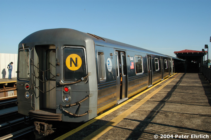 (141k, 720x478)<br><b>Country:</b> United States<br><b>City:</b> New York<br><b>System:</b> New York City Transit<br><b>Line:</b> BMT Astoria Line<br><b>Location:</b> 36th/Washington Aves. <br><b>Route:</b> N<br><b>Car:</b> R-68A (Kawasaki, 1988-1989)  5046 <br><b>Photo by:</b> Peter Ehrlich<br><b>Date:</b> 10/28/2004<br><b>Viewed (this week/total):</b> 0 / 2421