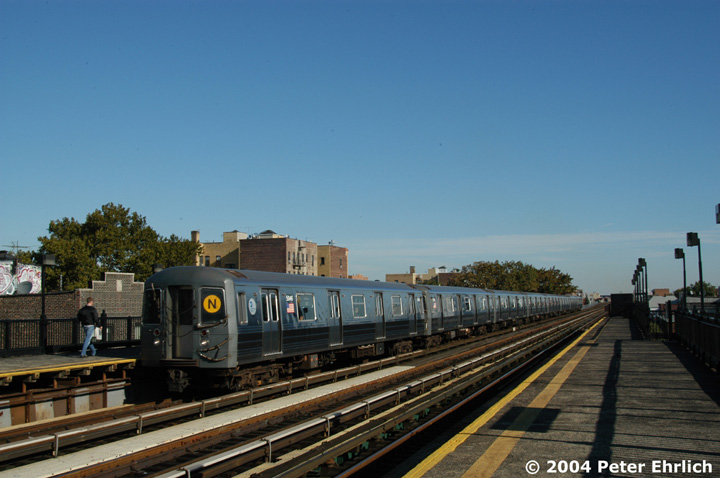 (118k, 720x478)<br><b>Country:</b> United States<br><b>City:</b> New York<br><b>System:</b> New York City Transit<br><b>Line:</b> BMT Astoria Line<br><b>Location:</b> 36th/Washington Aves. <br><b>Route:</b> N<br><b>Car:</b> R-68A (Kawasaki, 1988-1989)  5046 <br><b>Photo by:</b> Peter Ehrlich<br><b>Date:</b> 10/28/2004<br><b>Viewed (this week/total):</b> 6 / 2720