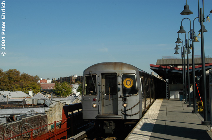 (123k, 720x478)<br><b>Country:</b> United States<br><b>City:</b> New York<br><b>System:</b> New York City Transit<br><b>Line:</b> BMT Brighton Line<br><b>Location:</b> Brighton Beach <br><b>Route:</b> Q<br><b>Car:</b> R-68 (Westinghouse-Amrail, 1986-1988)  2876 <br><b>Photo by:</b> Peter Ehrlich<br><b>Date:</b> 10/28/2004<br><b>Viewed (this week/total):</b> 0 / 3243
