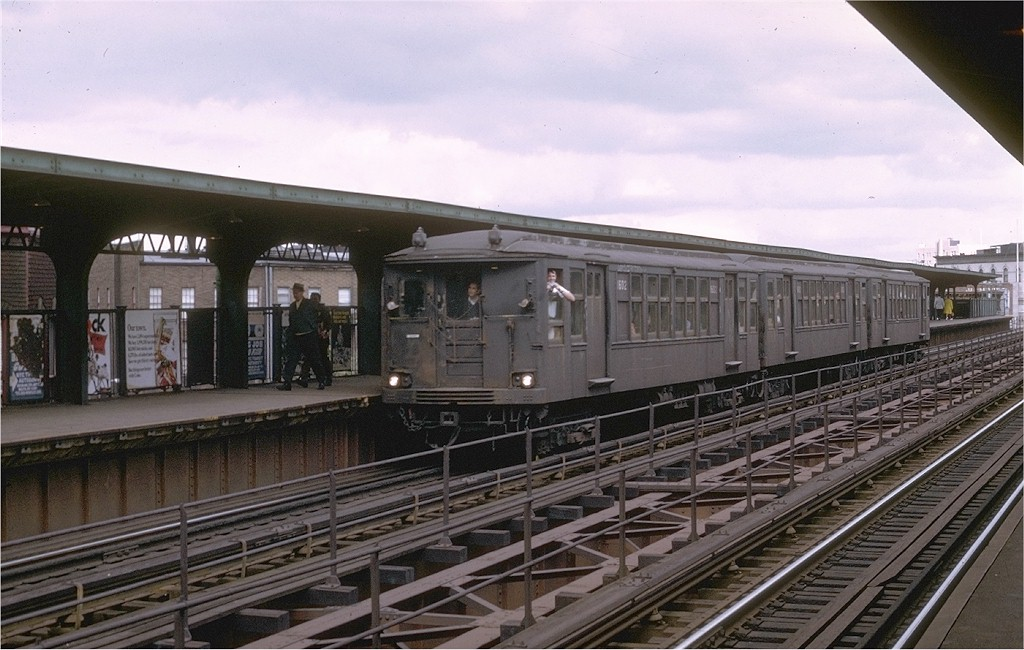 (186k, 1024x650)<br><b>Country:</b> United States<br><b>City:</b> New York<br><b>System:</b> New York City Transit<br><b>Line:</b> BMT Myrtle Avenue Line<br><b>Location:</b> Knickerbocker Avenue <br><b>Route:</b> Fan Trip<br><b>Car:</b> BMT Q 1602CBA <br><b>Photo by:</b> Joe Testagrose<br><b>Date:</b> 9/20/1969<br><b>Viewed (this week/total):</b> 5 / 3496