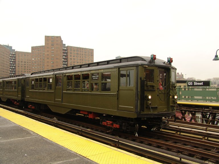 (85k, 769x577)<br><b>Country:</b> United States<br><b>City:</b> New York<br><b>System:</b> New York City Transit<br><b>Line:</b> IRT West Side Line<br><b>Location:</b> 125th Street <br><b>Route:</b> Fan Trip<br><b>Car:</b> Low-V (Museum Train) 5443 <br><b>Photo by:</b> Richard Panse<br><b>Date:</b> 11/21/2004<br><b>Viewed (this week/total):</b> 2 / 2667