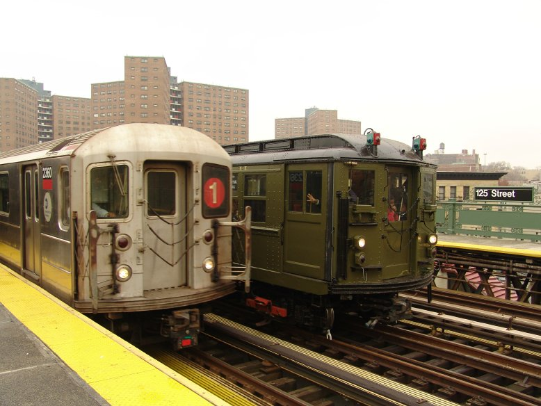 (92k, 778x584)<br><b>Country:</b> United States<br><b>City:</b> New York<br><b>System:</b> New York City Transit<br><b>Line:</b> IRT West Side Line<br><b>Location:</b> 125th Street <br><b>Route:</b> Fan Trip<br><b>Car:</b> R-62A (Bombardier, 1984-1987)  2360 <br><b>Photo by:</b> Richard Panse<br><b>Date:</b> 11/21/2004<br><b>Notes:</b> With R62 2360<br><b>Viewed (this week/total):</b> 2 / 3650