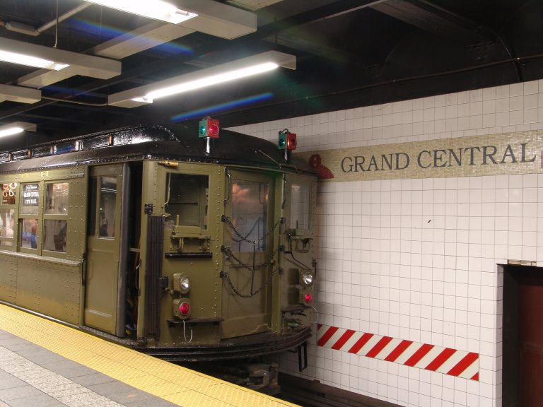 (83k, 768x576)<br><b>Country:</b> United States<br><b>City:</b> New York<br><b>System:</b> New York City Transit<br><b>Line:</b> IRT Times Square-Grand Central Shuttle<br><b>Location:</b> Grand Central <br><b>Route:</b> Fan Trip<br><b>Car:</b> Low-V (Museum Train) 5443 <br><b>Photo by:</b> Richard Panse<br><b>Date:</b> 11/21/2004<br><b>Viewed (this week/total):</b> 0 / 2301