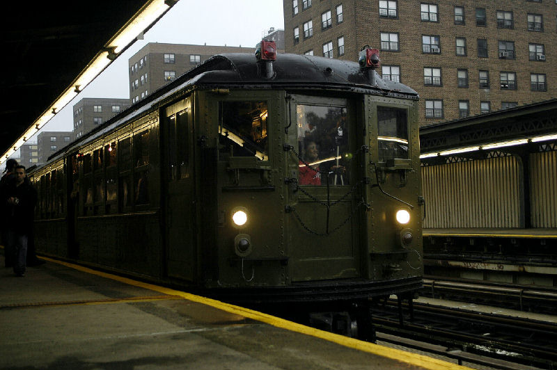 (94k, 800x532)<br><b>Country:</b> United States<br><b>City:</b> New York<br><b>System:</b> New York City Transit<br><b>Line:</b> IRT Brooklyn Line<br><b>Location:</b> Junius Street <br><b>Route:</b> Fan Trip<br><b>Car:</b> Low-V (Museum Train) 5443 <br><b>Photo by:</b> Fred Guenther<br><b>Date:</b> 11/21/2004<br><b>Viewed (this week/total):</b> 2 / 3261