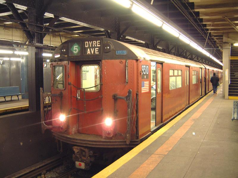 (70k, 800x600)<br><b>Country:</b> United States<br><b>City:</b> New York<br><b>System:</b> New York City Transit<br><b>Line:</b> IRT Dyre Ave. Line<br><b>Location:</b> Pelham Parkway <br><b>Route:</b> Fan Trip<br><b>Car:</b> R-33 World's Fair (St. Louis, 1963-64) 9310 <br><b>Photo by:</b> Bob Vogel<br><b>Date:</b> 12/20/2003<br><b>Viewed (this week/total):</b> 1 / 4818