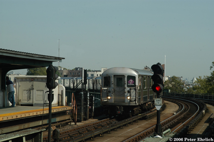 (146k, 864x574)<br><b>Country:</b> United States<br><b>City:</b> New York<br><b>System:</b> New York City Transit<br><b>Line:</b> IRT Flushing Line<br><b>Location:</b> 46th Street/Bliss Street <br><b>Route:</b> 7<br><b>Car:</b> R-62A (Bombardier, 1984-1987)  1686 <br><b>Photo by:</b> Peter Ehrlich<br><b>Date:</b> 10/3/2006<br><b>Viewed (this week/total):</b> 1 / 1895