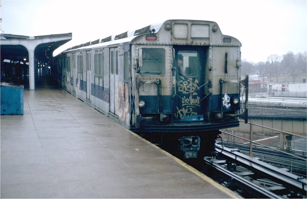 (159k, 1024x664)<br><b>Country:</b> United States<br><b>City:</b> New York<br><b>System:</b> New York City Transit<br><b>Line:</b> BMT Canarsie Line<br><b>Location:</b> Broadway Junction <br><b>Route:</b> LL<br><b>Car:</b> R-10 (American Car & Foundry, 1948) 3164 <br><b>Photo by:</b> Doug Grotjahn<br><b>Collection of:</b> Joe Testagrose<br><b>Date:</b> 11/28/1980<br><b>Viewed (this week/total):</b> 1 / 3698