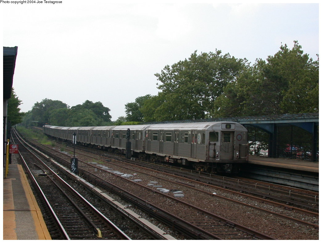 (203k, 1044x788)<br><b>Country:</b> United States<br><b>City:</b> New York<br><b>System:</b> New York City Transit<br><b>Line:</b> IND Rockaway<br><b>Location:</b> Aqueduct/North Conduit Avenue <br><b>Route:</b> A<br><b>Car:</b> R-38 (St. Louis, 1966-1967)  3968 <br><b>Photo by:</b> Joe Testagrose<br><b>Date:</b> 7/17/2004<br><b>Viewed (this week/total):</b> 0 / 3571