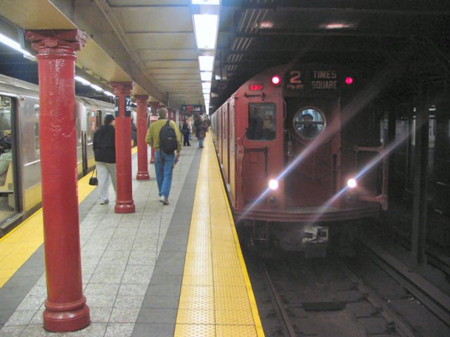 (63k, 640x480)<br><b>Country:</b> United States<br><b>City:</b> New York<br><b>System:</b> New York City Transit<br><b>Line:</b> IRT West Side Line<br><b>Location:</b> 72nd Street <br><b>Route:</b> 2<br><b>Car:</b> R-17 (St. Louis, 1955-56) 6609 <br><b>Photo by:</b> Dante D. Angerville<br><b>Date:</b> 12/11/2004<br><b>Viewed (this week/total):</b> 5 / 5350